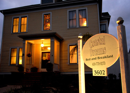 Coastal Dreams Bed & Breakfast: Beautiful Historic Home