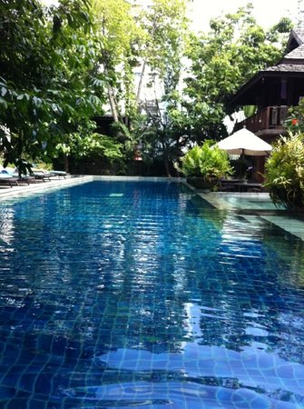 Ariyasomvilla: the pool