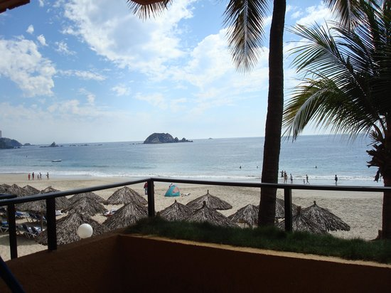 Inter-Continental Presidente Ixtapa: Room view right on the beach