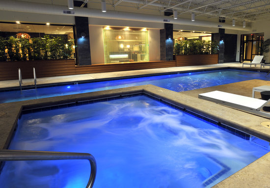 Our brand new pool &amp; hot tub - Holiday Inn &amp; Suites Charleston West