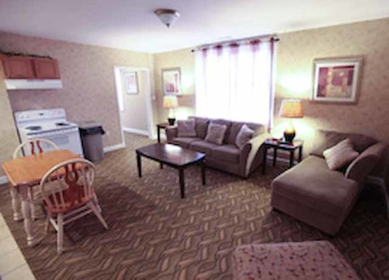 The Island House Hotel: Apartment Suite Living Area