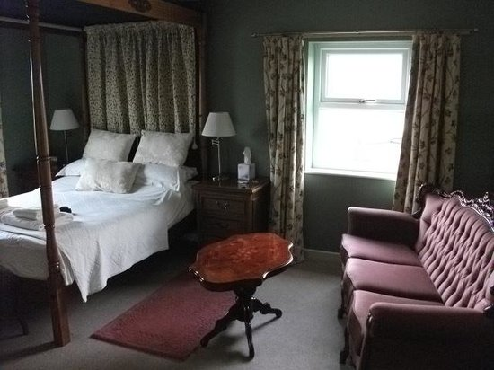 Elmfields Country House: our room