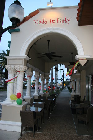 Venice, FL: Made In Italy outside seating