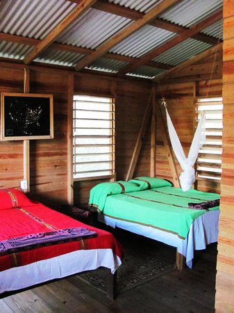 Belize Zoo Jungle Lodge/Tropical Education Center