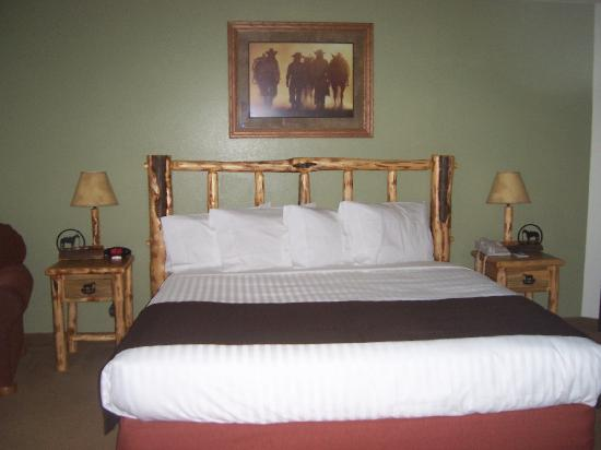 AmericInn Lodge &amp; Suites Belle Fourche: New look