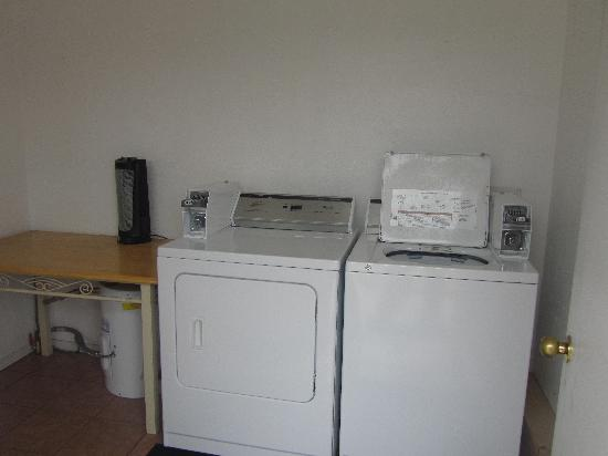 Arrowhead Motel: GUEST LAUNDRY AVAILABLE ON SITE