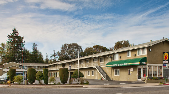 Super 8 Palo Alto: Exterior View from Historic El Camino Real