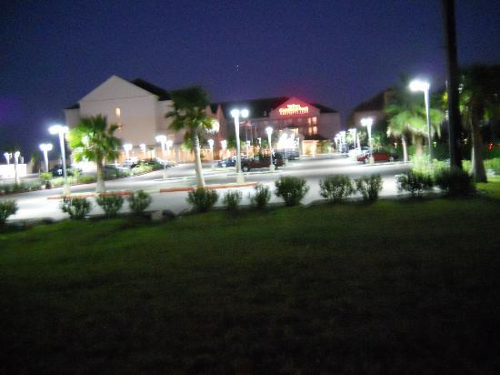 Hilton Garden Inn South Padre Island: The front at night