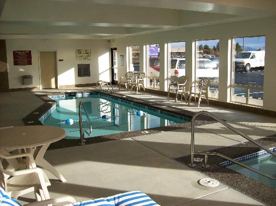 Sleep Inn & Suites Redmond: Relax & Unwind in our indoor pool & spa!