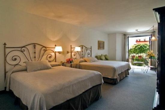 Casa Rosada Hotel: Junior Suite 2 Queen Beds