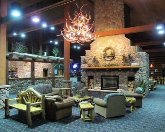 The Waters of Minocqua: Lobby
