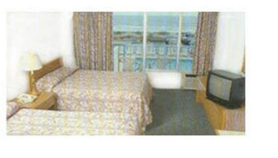 Twilight Surf Motel: Guest room