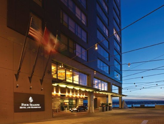 Four Seasons Hotel Seattle: SEW Exterior