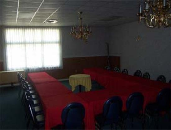 Days Inn Pottsville: Conference Room