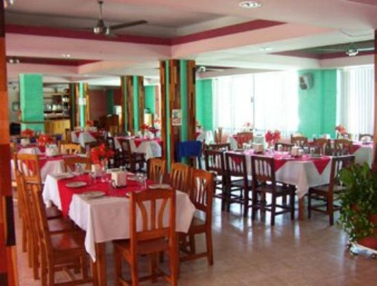 Howard Johnson Hotel D' Marco Palenque: Our Inviting Restaurant On-Site