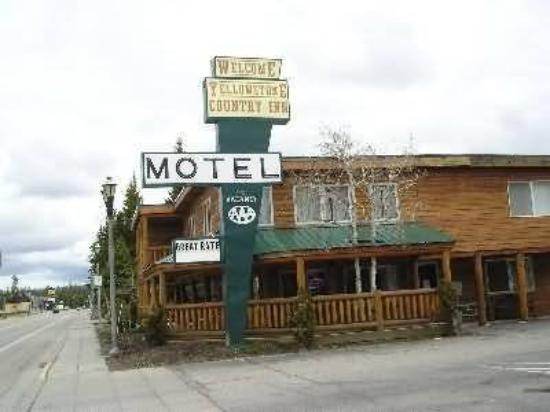 Yellowstone Country Inn: Exterior