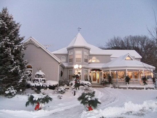 Cameo Rose Victorian Country Inn: Every Season is a Reason To Visit