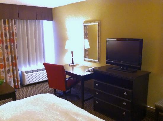 Hampton Inn Biltmore Square: Desk
