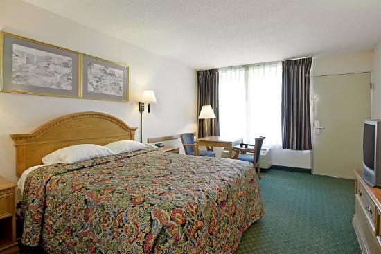 Americas Best Value Inn Marianna: Queen Standard