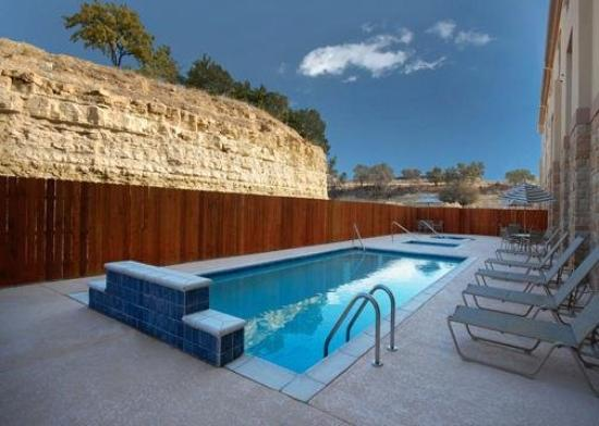 Comfort Inn & Suites Glen Rose: Pool