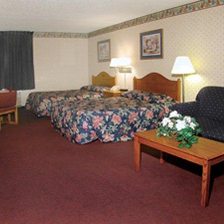 Heritage Inn Amana Colonies Hotel & Suites