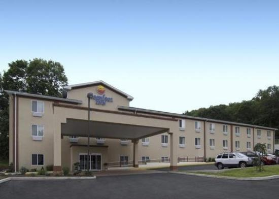 Comfort Inn Naugatuck: Exterior