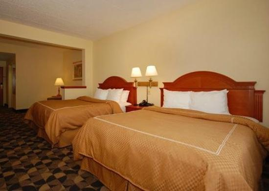 Comfort Suites at Harbison: Suite with king bed