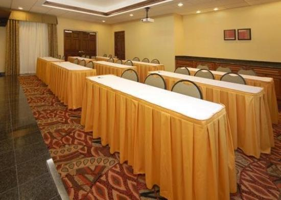 Quality Inn Airport: Meeting Room -OpenTravel Alliance - Meeting Room-
