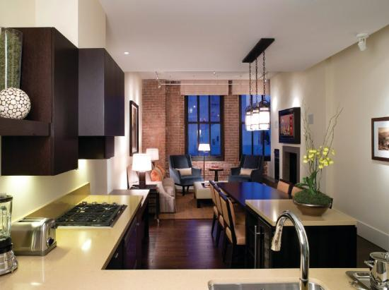 Fairmont Heritage Place, Ghirardelli Square : Kitchen/Living/Dining Room