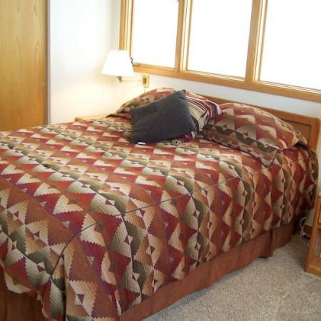 Soda Springs Condos: Bed