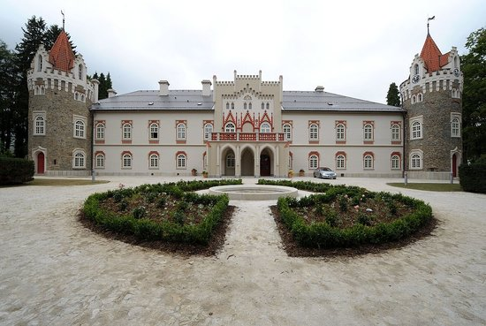Photo of Chateau Heralec - Boutique Hotel & Spa By L'OCCITANE Vysocina Region
