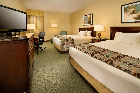 Drury Inn & Suites Jackson: Double Room
