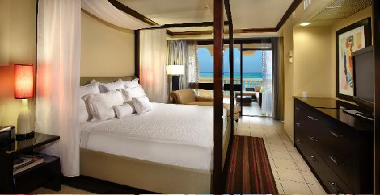 Bucuti &amp; Tara Beach Resorts Aruba : Penthouse Bedroom 