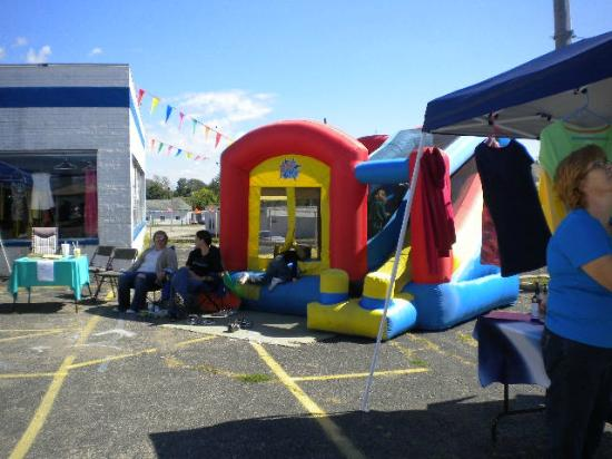 Connersville, IN: Carin's Bounce houses