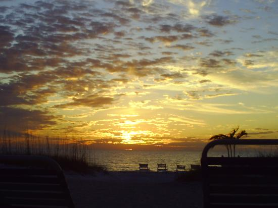 Sailfish Beach Resort: A spectacular sunset over the Gulf.