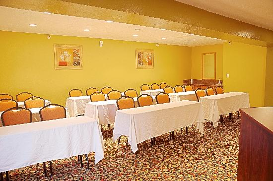 Best Western Green Valley Inn: Conference Center