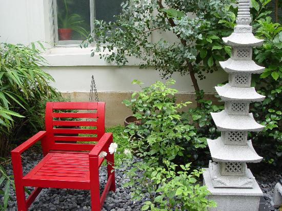 Maison Zen: Peaceful garden