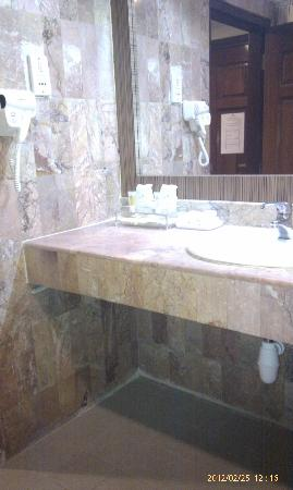 Formosa Hotel: Wash Basin
