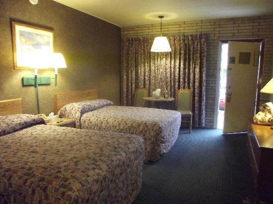 Galveston Island, Τέξας: The room - if you can get past the ugly bedspreads and curtains - it's perfect!