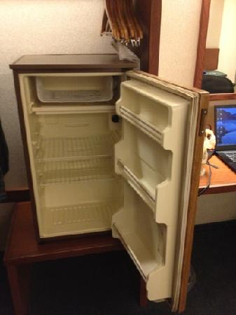 Sleep Inn & Suites: my room didn't have a fridge and the clerk was kind enough to bring me one...