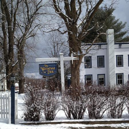 The Waitsfield Inn: Early March, still snowy