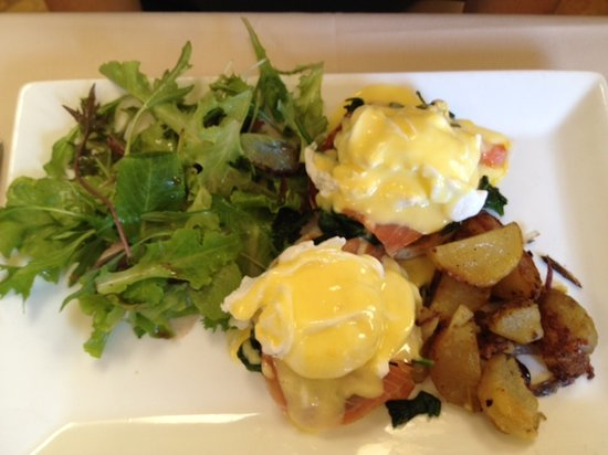 Niwot, CO: Smoked wild salmon eggs benedict