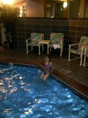 Plaza Hotel and Suites Eau Claire: grandbaby swimming