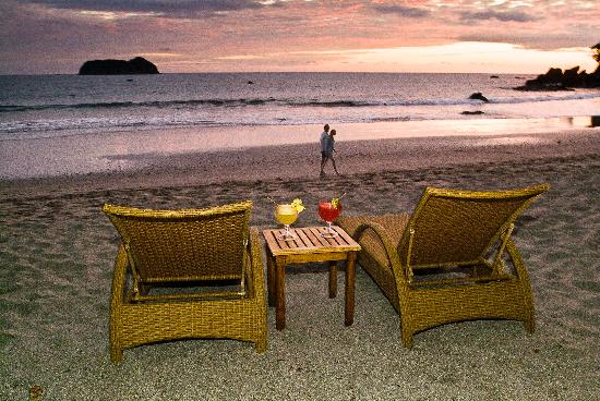 Arenas del Mar Beachfront and Rainforest Resort, Manuel Antonio, Costa Rica: Beautiful Sunset