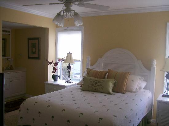 Bay to Beach: Master bedroom
