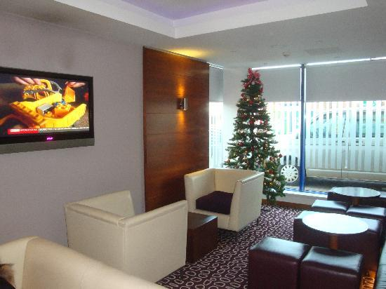 Holiday Inn Express London - Golders Green North : la hall