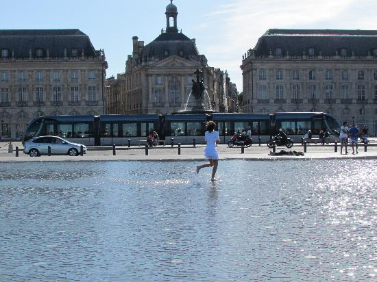 water park picture of bordeaux walking tours bordeaux tripadvisor. Black Bedroom Furniture Sets. Home Design Ideas