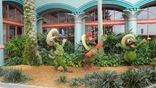 Sector casitas picture of disney 39 s coronado springs for Jardines bien decorados