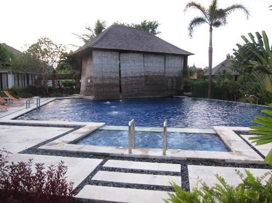 Villa Orange Bali: View of the pool. We weren&#39;t able to dine by the pool as the dining area was under renovation
