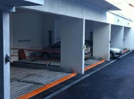Hotel Croatia: parking